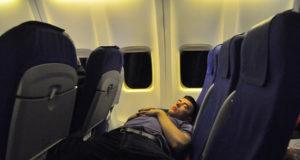 Dormir-dans-l'avion